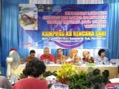Tim penilai lomba Kampung KB tingkat Provinsi Jateng, saat melakukan penilaian di Kampung KB Kencana Sari, Desa Candisari, Banyuurip, Purworejo, Sabtu (20/4) - foto: Sujono/Koranjuri.com