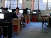 Suasana UNBK di SMP Negeri 7 Denpasar - foto: Koranjuri.com