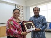 Dirjen Perikanan Budidaya KKP Slamet Soebjakto bersama Dr. Melba Reantoso dari FAO - foto: Istimewa