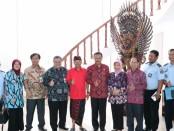Rapat Penerapan Kontribusi kepada Wisatawan Mancanegara dan Wisatawan Nusantara melalui Peraturan Daerah tentang Kontribusi Wisatawan untuk Pelestarian Lingkungan Alam dan Budaya Bali, bertempat di Rumah Jabatan Gubernur Bali, Jaya Sabha, Selasa (14/5/2019) pagi - foto: Istimewa