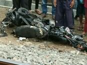 Kondisi motor korban, yang hancur disambar KA Lodaya - Sujono/Koranjuri.com