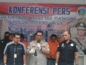 Polda Metro Jaya bekerjasama dengan Polres Singkawang dan Polres Mapawah, Kalimantan Barat menggagalkan distribusi sabu-sabu jaringan Malaysia-Jakarta - foto: Bob/Koranjuri.com