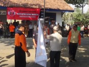 Serah terima pataka, dalam Ekspedisi Destana Tsunami 2019, di Desa Jatimalang, Purwodadi, Senin (29/7) - foto: Sujono/Koranjuri.com
