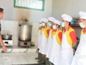 """Dapur Rutan Purworejo dapatkan sertifikat """"Laik Hygiene Sanitasi Jasaboga"""" dari Dinas Kesehatan Kabupaten Purworejo - foto: Sujono/Koranjuri.com"""