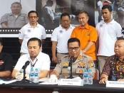 Polda Metro Jaya menggelar ekspos kasus penipuan berkedok penerimaan CPNS dengan tersangka HB alias Bima (57), Selasa, 13 Agustus 2019 - foto: Bob/Koranjuri.com