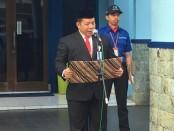 Direktur PDAM Purworejo, Hermawan Wahyu Utomo, ST, saat menjadi inspektur upacara dalam upacara peringatan HUT Kemerdekaan RI ke 74, Sabtu (17/8), di halaman PDAM setempat - foto: Sujono/Koranjuri.com