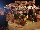 Menteri Pariwista Arief Yahya bersama Wakil Gubernur Bali Tjokorda Oka Artha Ardhana saat membuka Sanur Village Festival XIV di Pantai Mertasari, Sanur, Denpasar, Rabu, 21 Agustus 2019 - foto: Istimewa