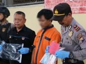 SB, tersangka pencurian uang dan mobil milik majikannya, kini ditahan di Mapolres Kebumen, dengan sejumlah barang bukti - foto: Sujono/Koranjuri.com