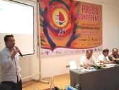 Musisi jazz Tanah Air Indra Lesmana bersama panitia pelaksana Sanur Village Festival XIV memberikan pernyataan pers di Griya Santrian Sanur, Senin, 19 Agustus 2019 - foto: Koranjuri.com