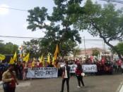 Keterangan foto: Massa aksi demo Aliansi Masyarakat Dukung RUU PKS di depan gedung DPRD Kota Solo, mendesak keseriusan DPR Dan Pemerintah. /foto: istimewa