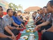 Suasana acara Kembul Bareng, dalam memeriahkan HUT Polwan ke 73 di Polres Purworejo, Jum'at pagi (20/9) - foto:0 Sujono/Koranjuri.com
