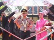 Upacara pedang pora, sambut Kapolres Kebumen yang baru, AKBP Rudy Cahya Kurniawan, Senin (30/9) - foto: Sujono/Koranjuri.com