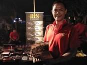 Marketing Representative BIN Cigar Iman Santoso - foto: Koranjuri.com