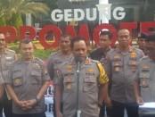 Peduli terhadap korban bencana alam gempa bumi di Ambon, Polda Metro Jaya santuni uang senilai 700 juta dan 15 truk sembako - foto: Istimewa