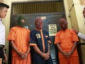 Ketiga tersangka kasus pencurian sepeda motor yang berhasil ditangkap Polres Kebumen dalam Operasi Sikat - foto: Sujono/Koranjuri.com