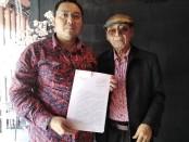 Kuasa hukum Handoko usai memberikan keterangan atas kasus yang menjerat kliennya - foto: Koranjuri.com