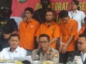 Polda Metro Jaya membekuk enam orang yang ingin menggagalkan acara pelantikan Presiden dan Wakil Presiden di Gedung DPR, pada Minggu (20/10/2019) - foto: Bob/Koranjuri.com