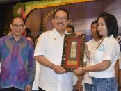 Wakil Gubernur Bali Tjokorda Oka Artha Ardana Sukawati melantik Pengurus Bali Purchasing Profesional Association (BPPA) Periode Tahun 2019-2024 - foto: Istimewa