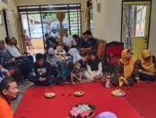Bambang Sutrisno, saat bertemu dengan para pendukungnya di Desa Brenggong, Kecamatan/Kabupaten Purworejo - foto: Sujono/Koranjuri.com