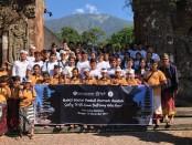 Generasi Baru Indonesia (GenBI) Bali menggelar Bakti Sosial Peduli Rumah Ibadah 2019 di kawasan suci Pura Batukaru, Penebel, Tabanan, Minggu, 10 November 2019 - foto: Istimewa