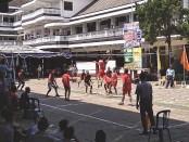 Lomba voli antar SMP se Kabupaten Purworejo, memeriahkan peringatan HUT SMK PN Purworejo - foto: Sujono/Koranjuri.com