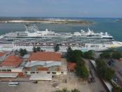 Kapal pesiar yang bersandar di Pelabuhan Benoa - foto: Istimewa