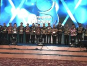 Sejumlah Kepala Daerah yang menerima penghargaan 'Anugerah Kihajar 2019' dari Kemendikbud di Balai Kartini, Jakarta, Kamis, 14 November 2019 - foto: Istimewa