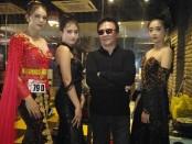 Robby Maramis bersama para model di event grand final nasional ajang Top Model Indonesia 2019 di Fame Hotel Sunset Road, Bali, Minggu, 24 November 2019 - Koranjuri.com