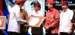 Wayan Koster Terima Penghargaan Kadin Awards 2019 Kategori Kepala Daerah