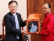 Gubernur Bali Wayan Koster menerima kunjungan pejabat Provinsi Yunnan, China di Rumah Jabatan Jaya Sabha, Denpasar pada Selasa (17/12/2019) - foto: Istimewa
