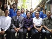 Pengurus Yayasan dan Rektorat ITB-STIKOM Bali menggelar keterangan pers dalam kasus penyebaran konten hoaks di media sosial, Selasa, 3 Desember 2019 - foto: Koranjuri.com