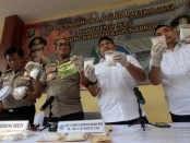Unit II Subdit I Narkotika Dit Resnarkoba Polda Metro Jaya mengungkap peredaran narkoba lintas pulau itu dan mendapatkan barang bukti seberat 3 kg sabu-sabu, Rabu, 4 Desember 2019 - foto: Bob/Koranjuri.com