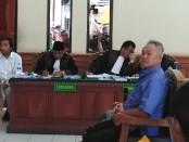 Tomy Winata (TW) hadir sebagai saksi korban dalam persidangan di PN Denpasar terkait sidang kasus dugaan penggelapan dan pemberian keterangan palsu pada akta otentik dengan terdakwa Harjanto Karjadi, Selasa, 3 Desember 2019 - foto: Koranjuri.com