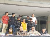 Polda Metro Jaya menangkap oknum penyembuh alternatif yang melakukan aksi tindak pidana pencabulan - foto: Bob/Koranjuri.com