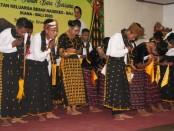 Nuansa budaya Nagekeo mewarnai seremoni pelantikan pengurus Ikatan Keluarga Besar Nagekeo (IKANA) Bali periode 2020-2023 di Mahajaya Agung Hotel Denpasar, Sabtu malam (11/1/2020) - foto: Istimewa