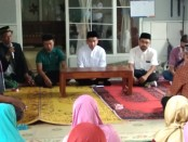 Bakal calon Walikota Solo Gibran Rakabuming Raka menggelar silaturahmi bersama sejumlah warga kampung Joglo - foto: Koranjuri.com