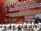 Menteri ATR/BPN RI bersama Kapolda Metro Jaya Irjen Nana Sudjana saat memberikan keterangan prrs di Jakarta, Rabu 12 Februari 2020 - foto: Bob/Koranjuri.com