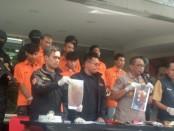 Kawanan ABG pelaku perampasan ponsel ditangkap kepolisian Polda Metro Jaya - foto: Bob/Koranjuri.com