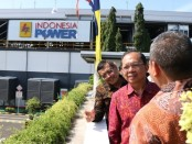 Gubernur Bali Wayan Koster meresmikan PLT Surya Atap Kapasitas 226 kWp Bali PGU, di PT Indonesia Power Bali, Power Generation Unit, Denpasar Senin (24/2/2020) - foto: Istimewa