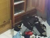 Lemari milik korban yang diobrak-abrik perampok - foto: Istimewa