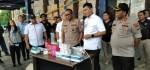 Polda Metro Jaya Sidak Pedagang Masker di Pasar Pramuka