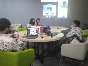 PGRI Bali menginisiasi Workshop TI untuk para guru di Bali secara online. Kegiatan itu diadakan di studio mini kantor Disdikpora Provinsi Bali - foto: Koranjuri.com