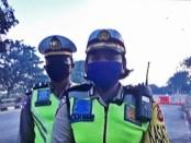 Kasatlantas Polres Gianyar, AKP Laksmi Trisna Dewi Wieryawan saat ditemui di Pos Penyekatan Simpang Empat Masceti, Senin (27/4/2020) - foto: Catur/Koranjuri.com