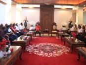 Gubernur Bali Wayan Koster menerima audiensi sejumlah pengurus KONI Bali dan Kabupaten/Kota terkait penundaan Porprov Bali Tahun 2021 - foto: Istimewa