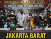 Tim gabungan menangkap pelaku penjambretan di jalan Roa Malaka Utara, Tambora, Jakarta Barat - foto: Istimewa