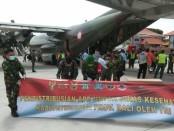Ribuan kilogram APD diangkut menggunakan pesawat Hercules milik TNI dari Lanud Halim Perdanakusuma, Jakarta menuju Base Ops Lanud I Gusti Ngurah Rai, Badung Bali, Jumat, 15 Mei 2020 - foto: Istimewa