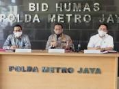 Kabid Humas Polda Metro Jaya Kombes Pol Yusri Yunus memberikan keterangan pers terkait pelimpahan perkara OTT KPK dan Inspektorat Jenderal Kemendikbud - foto: Istimewa