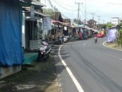 Kondisi Jalan Raya Tegallalang Gianyar yang merupakan lokasi art shop, Jumat (29/5/2020) - foto: Catur/Koranjuri.com