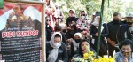 40 Hari Wafatnya Didi Kempot, Yan Velia Ziarahi Makam Sang Suami