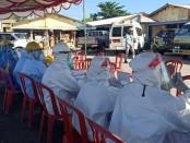 Suasana rapid test yang terlihat sepi di lokasi relokasi Pasar Gianyar di Kelurahan Samplangan, Jumat (12/6/2020) pagi - foto: Catur/Koranjuri.com
